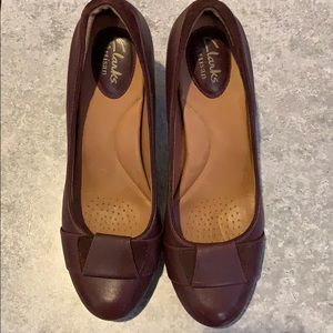 Burgundy women Shoes leather upper